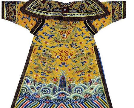 皇帝龙袍绣九条龙的原因